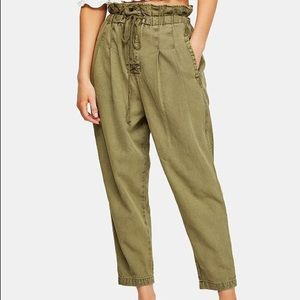 FREE PEOPLE green pleated trouser pants size S